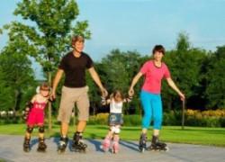 Счастливый ребенок у счастливых родителей.