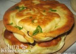 Сэндвич, наполненный форшмаком и яблоком