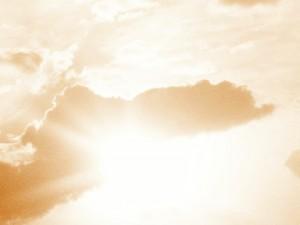 обман в сети, фотография красивое небо, лучи солнца сквозь тучи