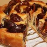 Как приготовить пирог со сливами?